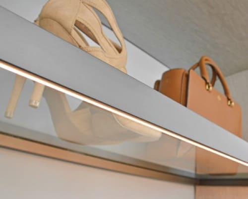 7- Illuminated glass Shelf