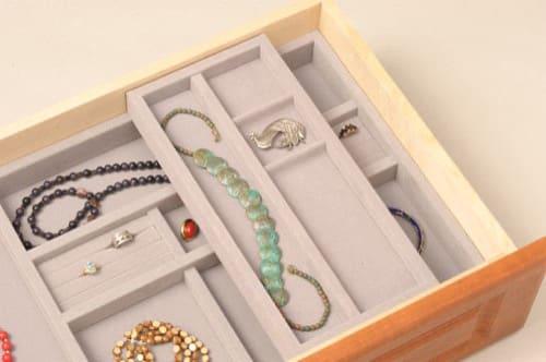 9- Two-Tier Jewelry Tray